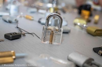 MJB_9944_lockpicking club_Feb8